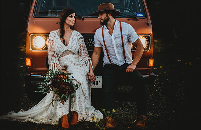 Wedding couple dressed in vintage clothes