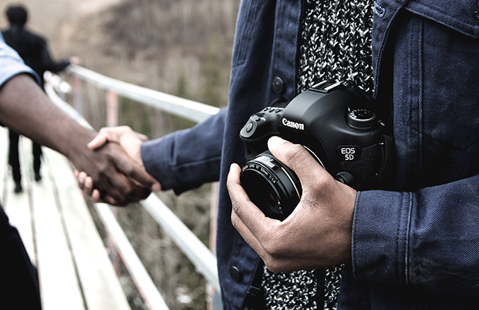 photographer shaking hands with a client